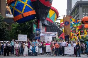 Alumbrados de Medelín con el Demonio Rosario Público por Colombia